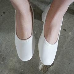calm shoes